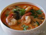 острый суп с креветками и лимонной травой