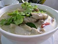 Суп из кокосового молока с курицей