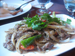 острый тайский салат из говядины