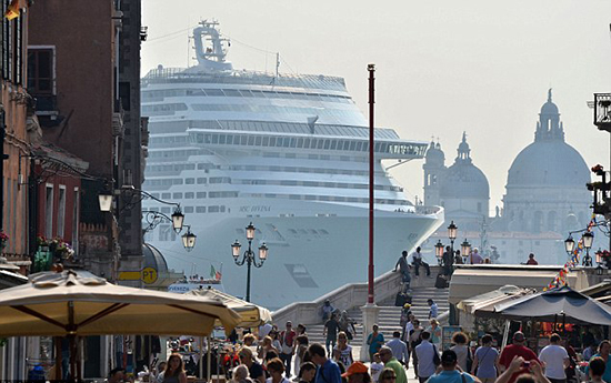 круизные лайнеры в Венеции